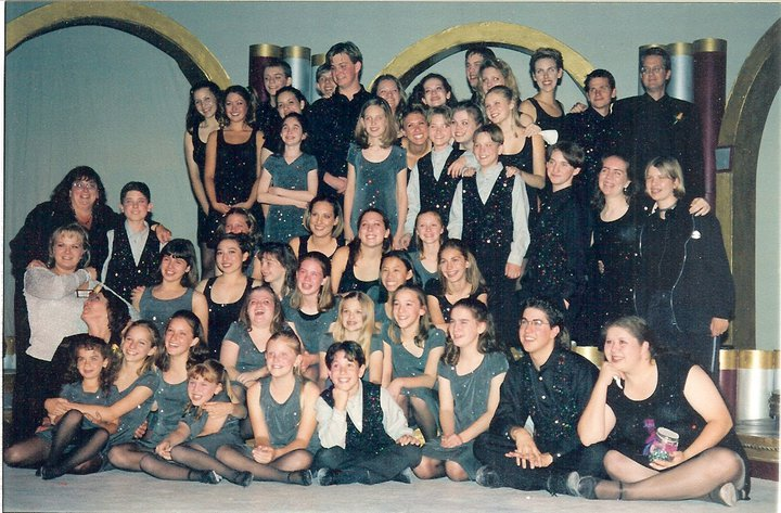 Greasepaint alumni perform at Wendy's farewell gala in 1999. The event raised $13,000 for the troupe.