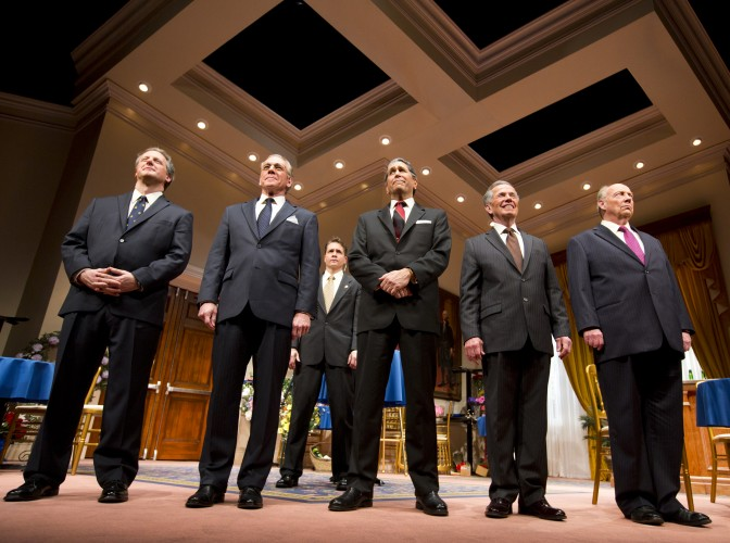 "The cast of ""Five Presidents,"" Arizona Theatre Company, 2015. Photographer not credited."