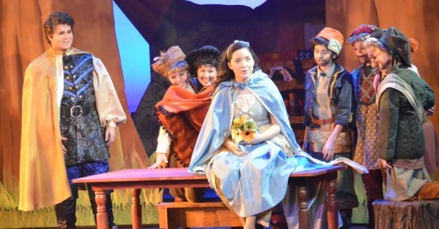 Valley Youth Theatre. 2014. Snow White and the Seven Dwarfs. Jessie Jo Pauley as Snow White.